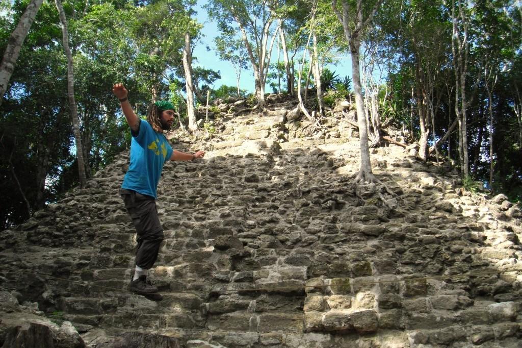 Jazza Slacklining On El Tigre Temple. Trekking In El Mirador