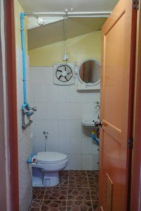 Yee Shin Bathroom Hsipaw Myanmar Accommodation Where To Stay Burma