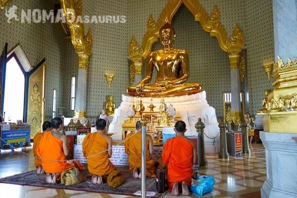 Golden Buddha 10 Ways To Be A Responsible Travleller