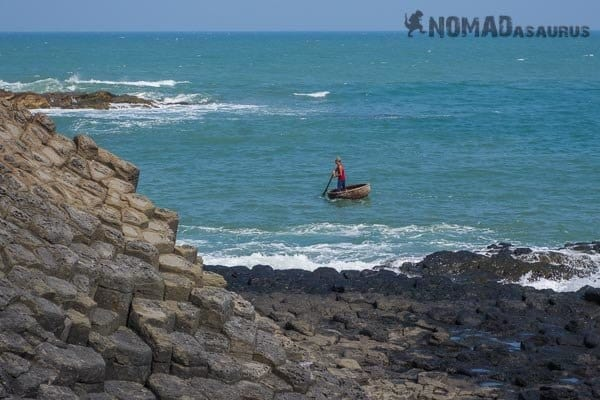 Ganh Da Dia Boat Man Vietnam