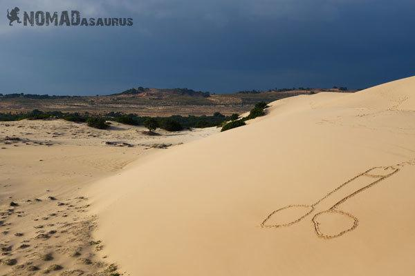 Backpackers Paradox Traveller Vs Tourist Mui Ne Sand Dunes