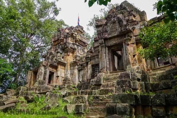 Wat Ek Phnom Old Angkorian Ruins Battambamg