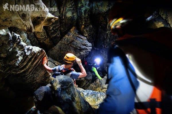 Hang Kim Climbing Tu Lan Caves Oxalis Expedition
