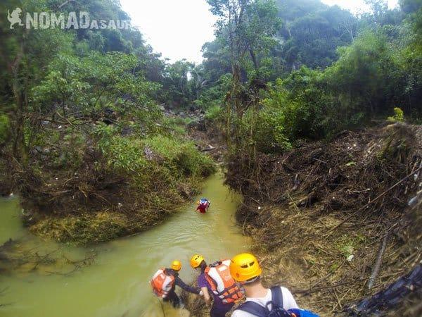 Crossing Creek Tu Lan Caves Oxalis Expedition