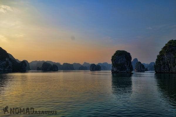 Dusk Islands Halong Bay Vietnam Image Wonder Of The World