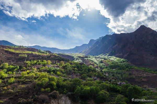 Views Danba Tibet Overland Route Shangri La To Chengdu Kham Province Travel