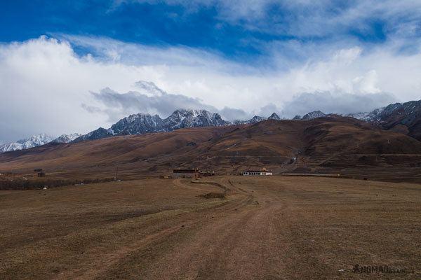 Darjay Gompa Ganzi Monastery Tibet Overland Route Shangri La To Chengdu Kham Province Travel