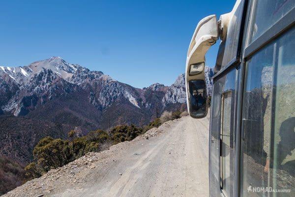 Xiangcheng Road Views Bus Tibet Overland Route Shangri La To Chengdu Kham Province Travel