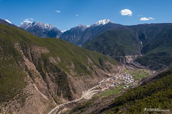 Road View Tibet Overland Route Shangri La To Chengdu Kham Province Travel