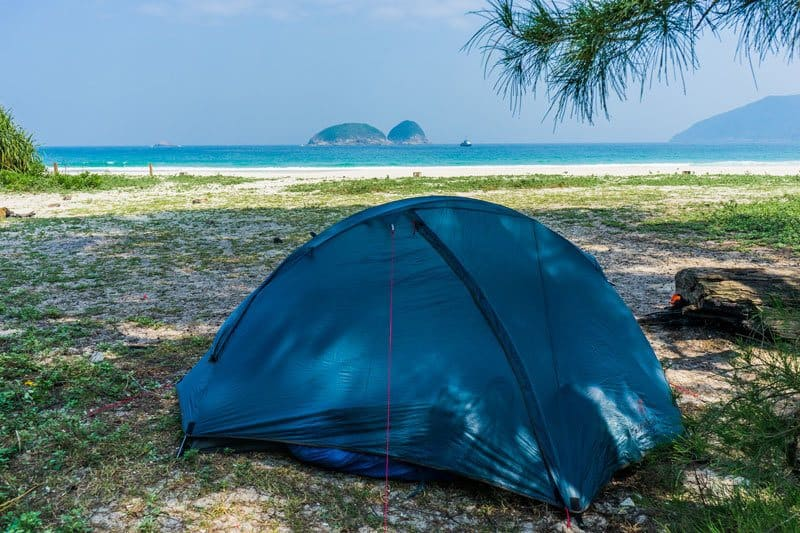 how to make hideawy tent stay in place