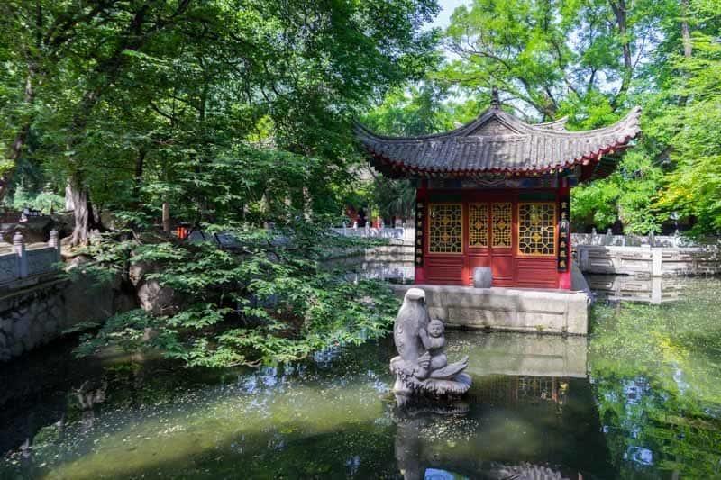 West Gate Shrine Hua Shan Hike