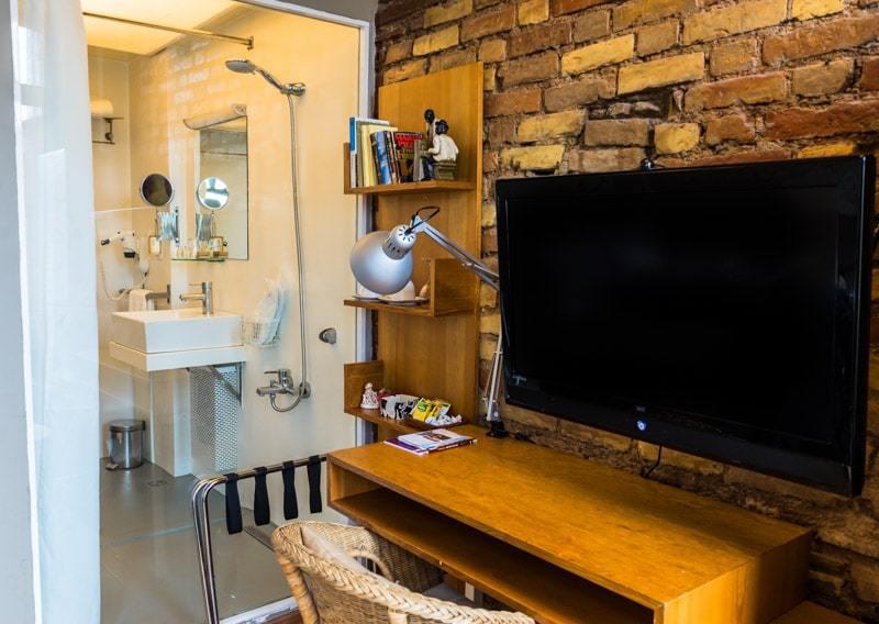 Tv Bathroom Peradays Best Boutique Hotel In Istanbul