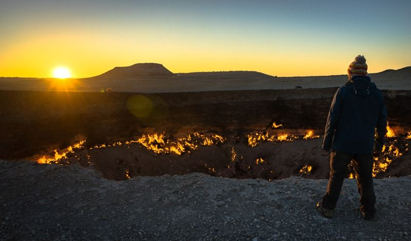 Jazza Darvaza Gas Crater Camping At The Door To Hell Turkmenistan