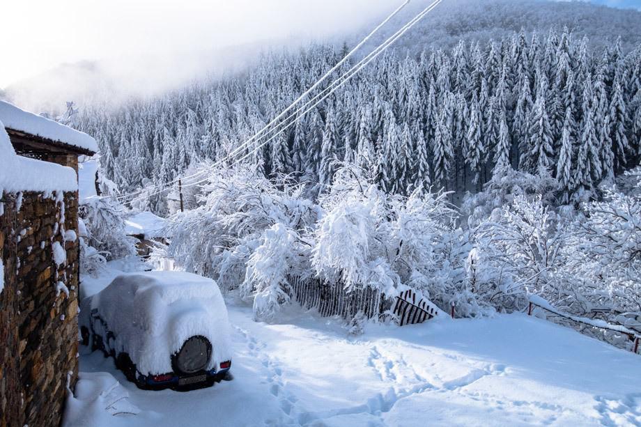 Snow Kosovo Houses Bulgaria