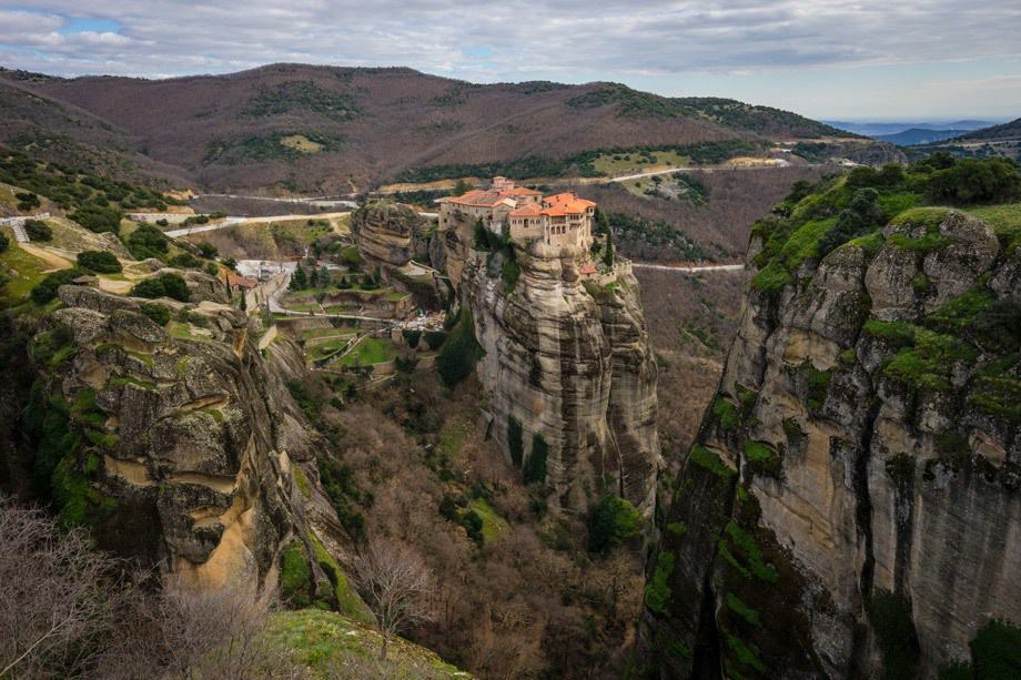 Pinnacle Hiking Tour Of Meteora Monasteries