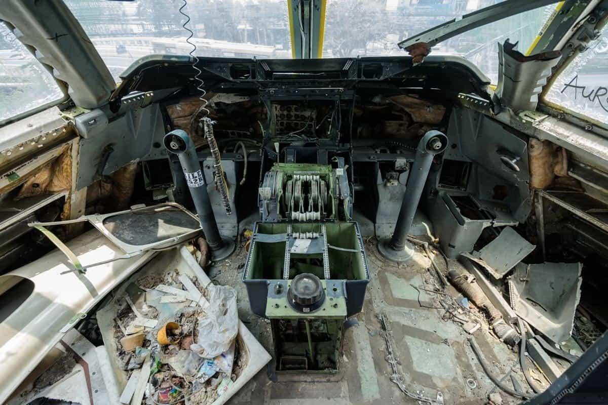 Cockpit 747 Bangkok's Airplane Graveyard