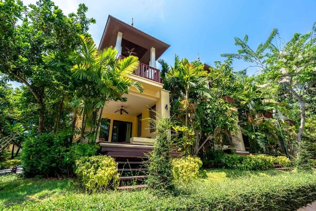 Green Bungalow Crown Lanta Resort And Spa Best Luxury Hotel In Koh Lanta