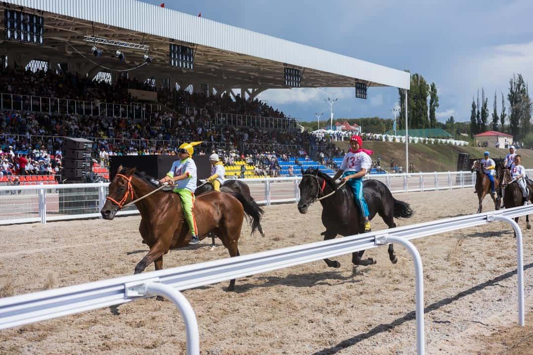 Kids Horse Racing