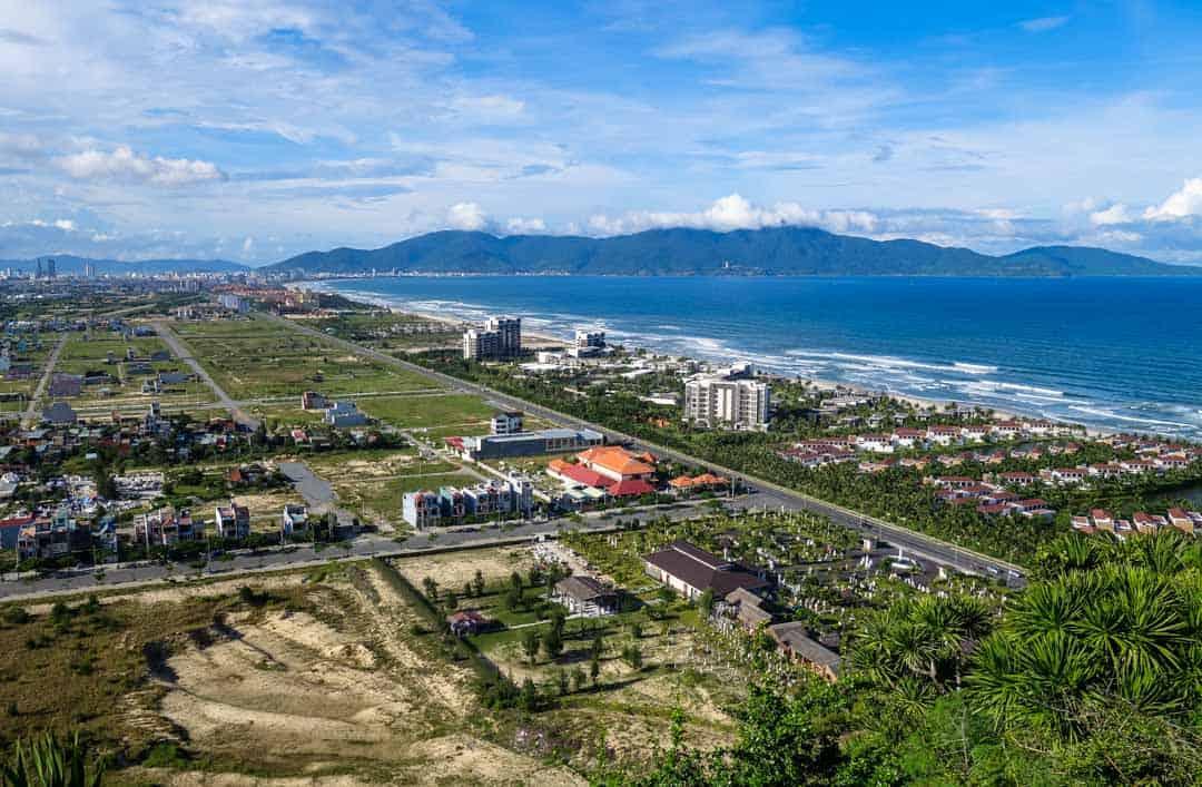 Mountain view of Beach - Da Nang