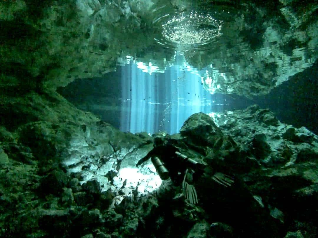 Mexico Cenote Diving Sugarbowl Lightshow