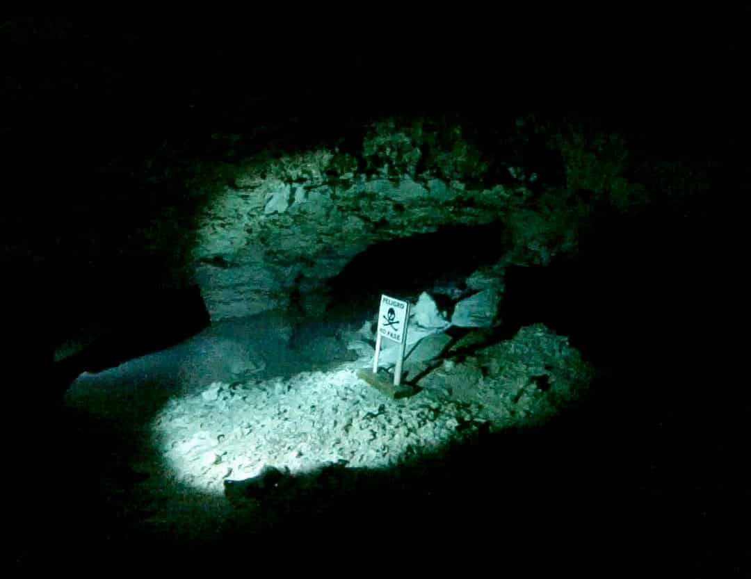 Inside the cave - Cenote diving in Mexico