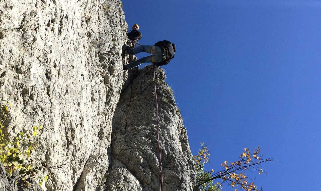Abseiling Down Table Mountain , Cape Town - Adventure Activities In South Africa