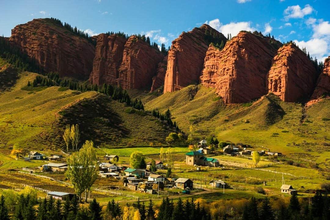 Jeti Oguz Kyrgyzstan Tour