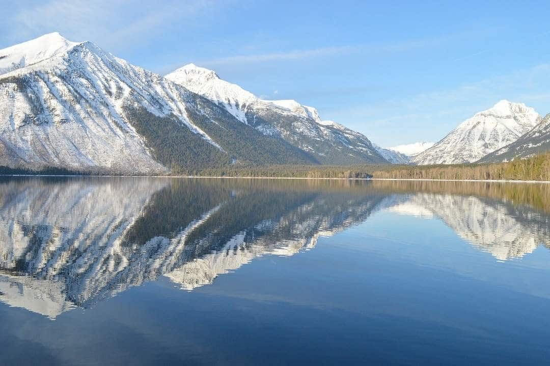 Motorbiking Glacier National Park - Lake Macdonald