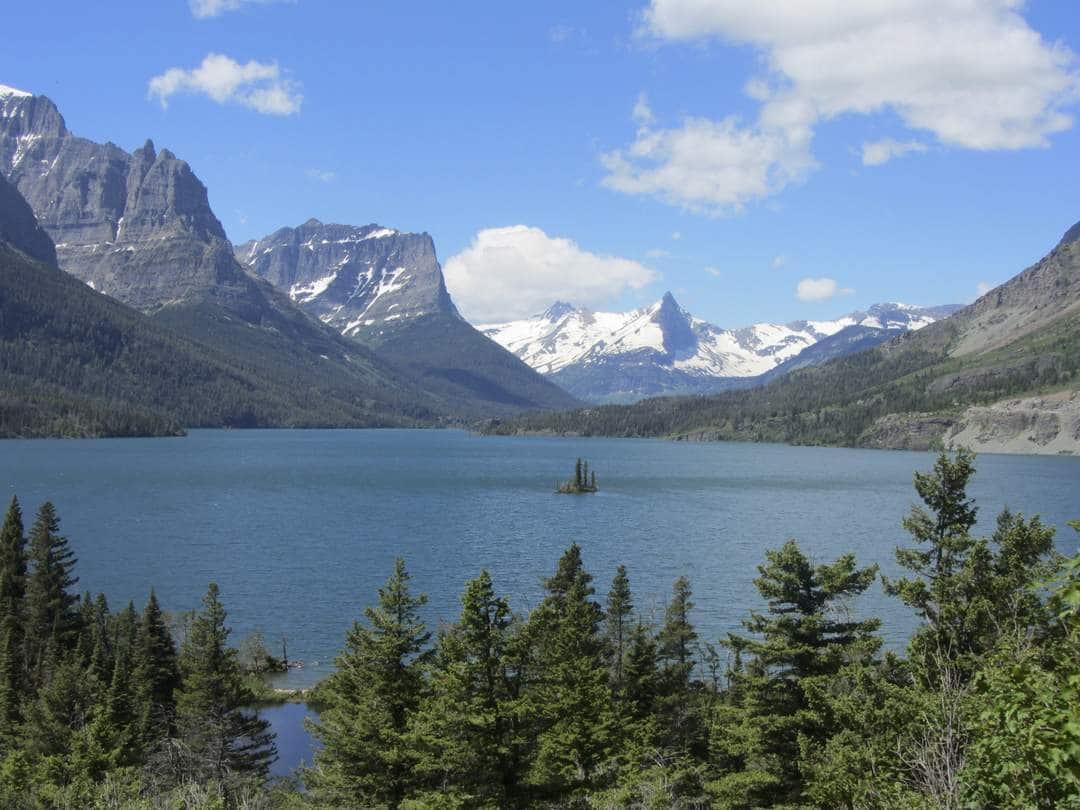 Saint Mary Lake - Motorbiking Glacier National park