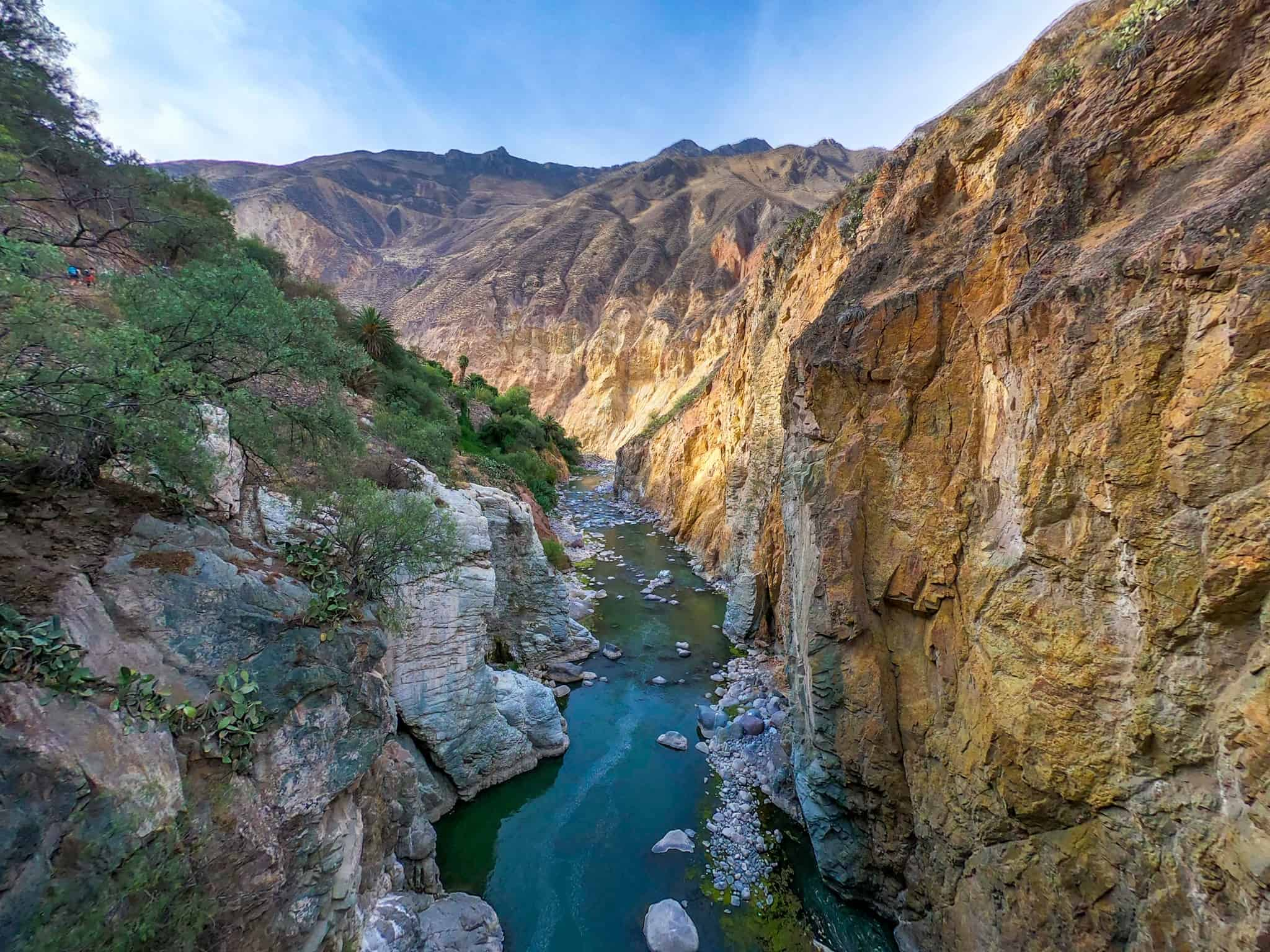 Hike down into Colca Canyon