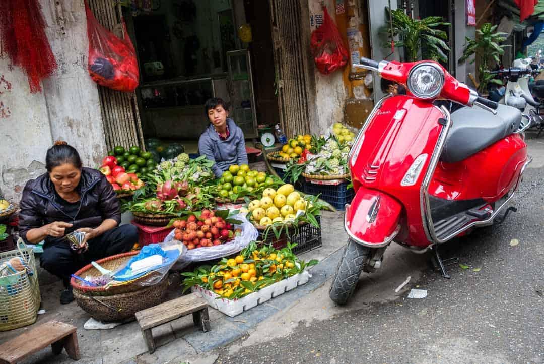 Fruit Market Hanoi