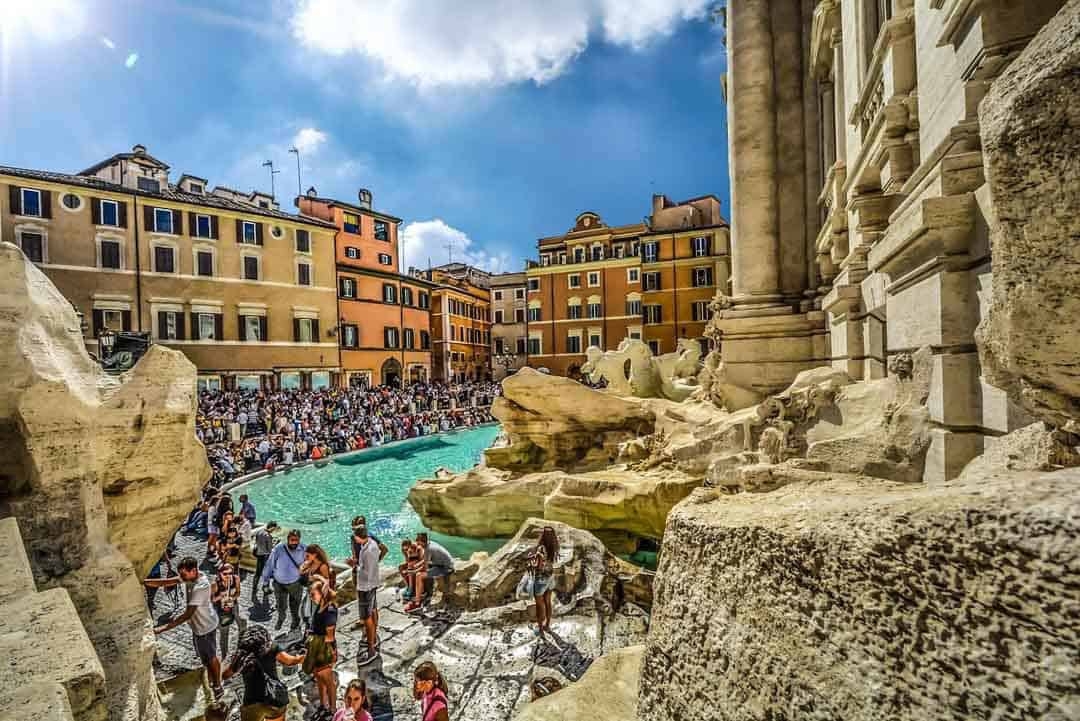 Overtourism Rome Trevi
