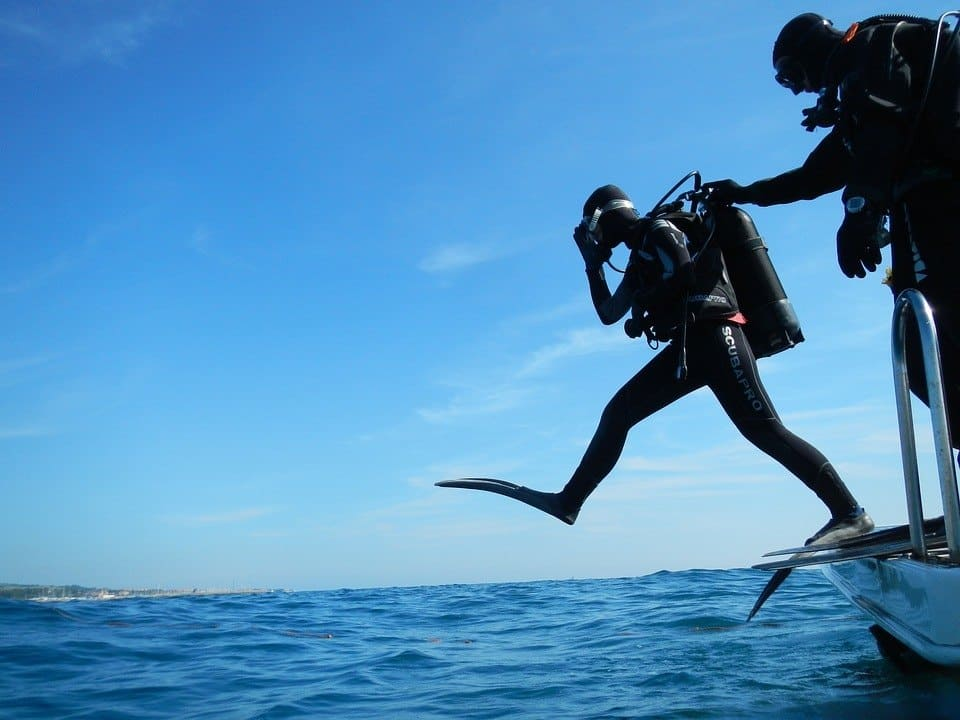 How To Become A Dive Instructor, Diver Jumps Off Boat