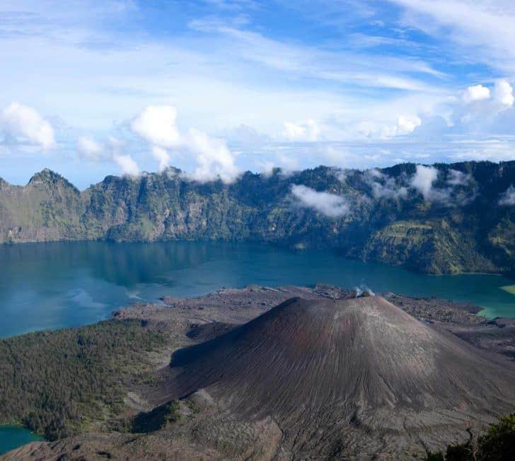 The Ultimate Mount Rinjani Trekking Guide (2020 Edition)