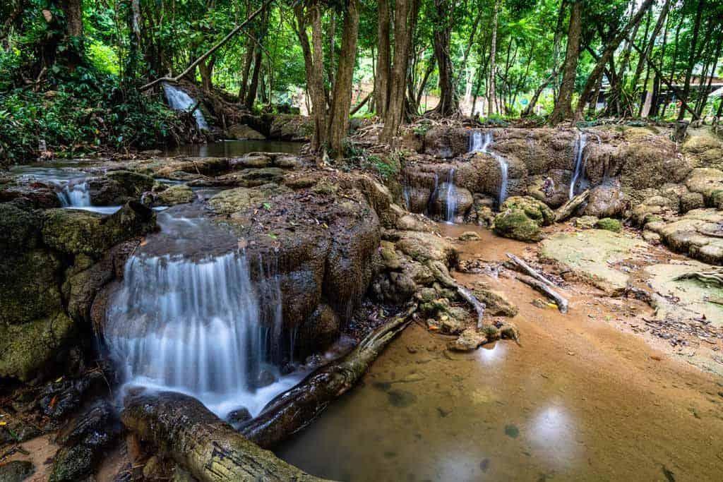 Kroeng Krawia Waterfalls