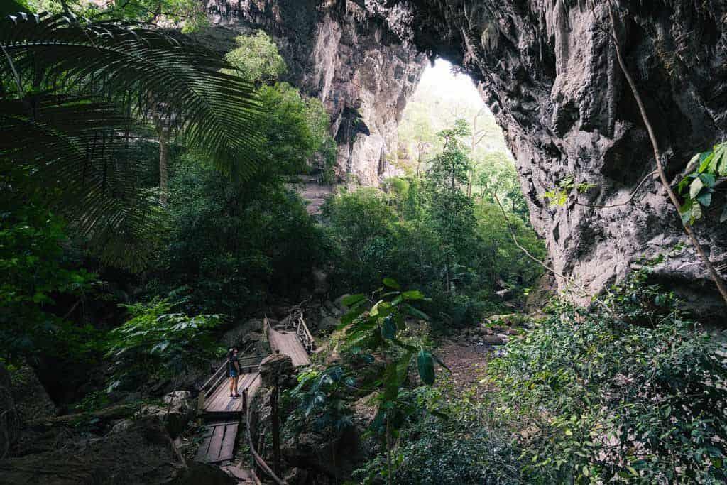 Tham Than Lod National Park