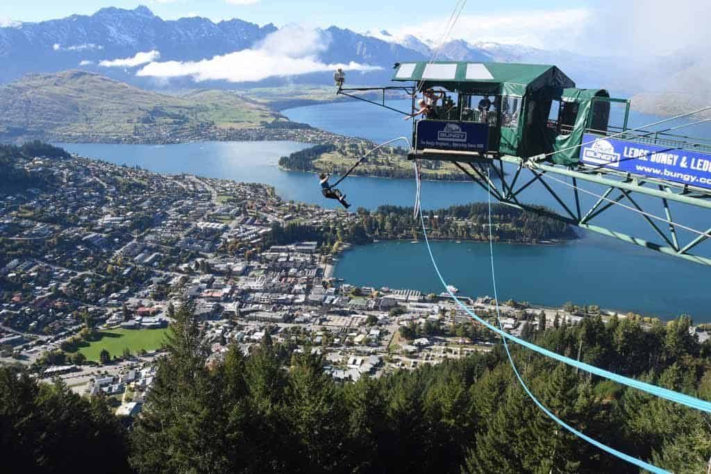 Bungy Jumping Queenstown Haka Tours