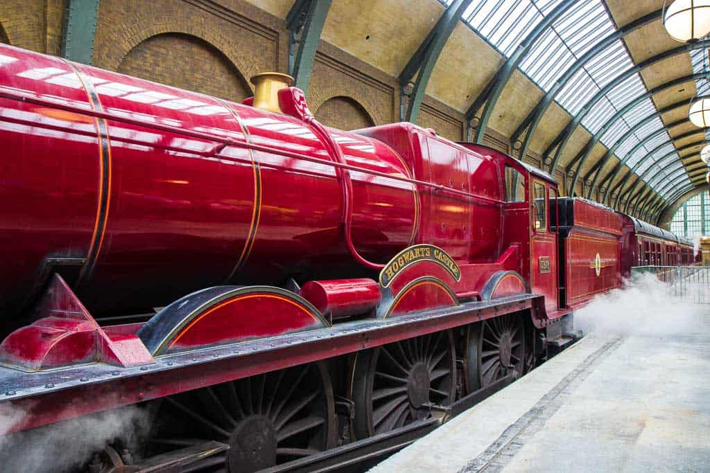 Ride The Hogwarts Train Between Parks