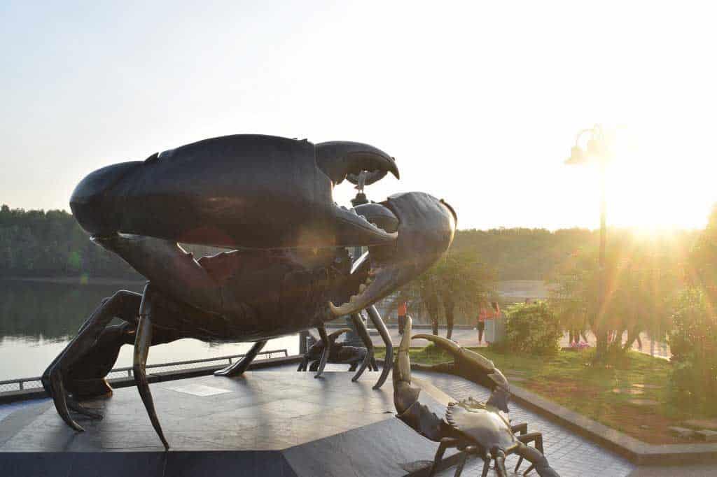 The famous crab sculptures in Krabi.