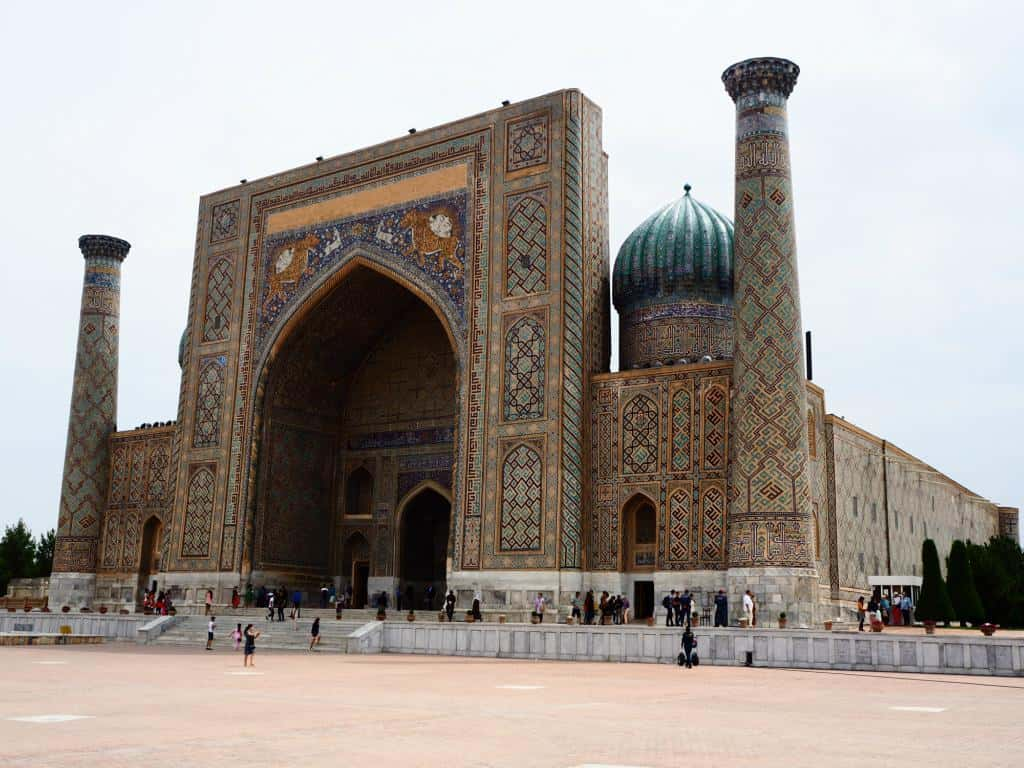 Sher-Dor-Medressa Registan In Samarkand