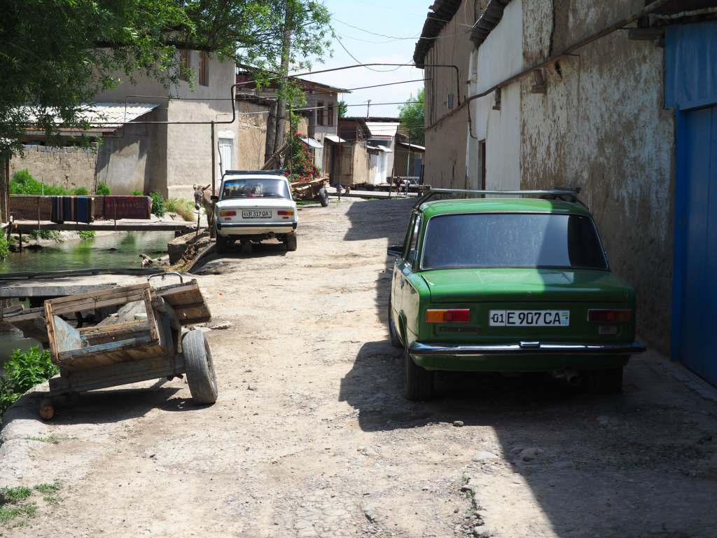 Old Lada's Line The Kolkuz Canal In Tashkent