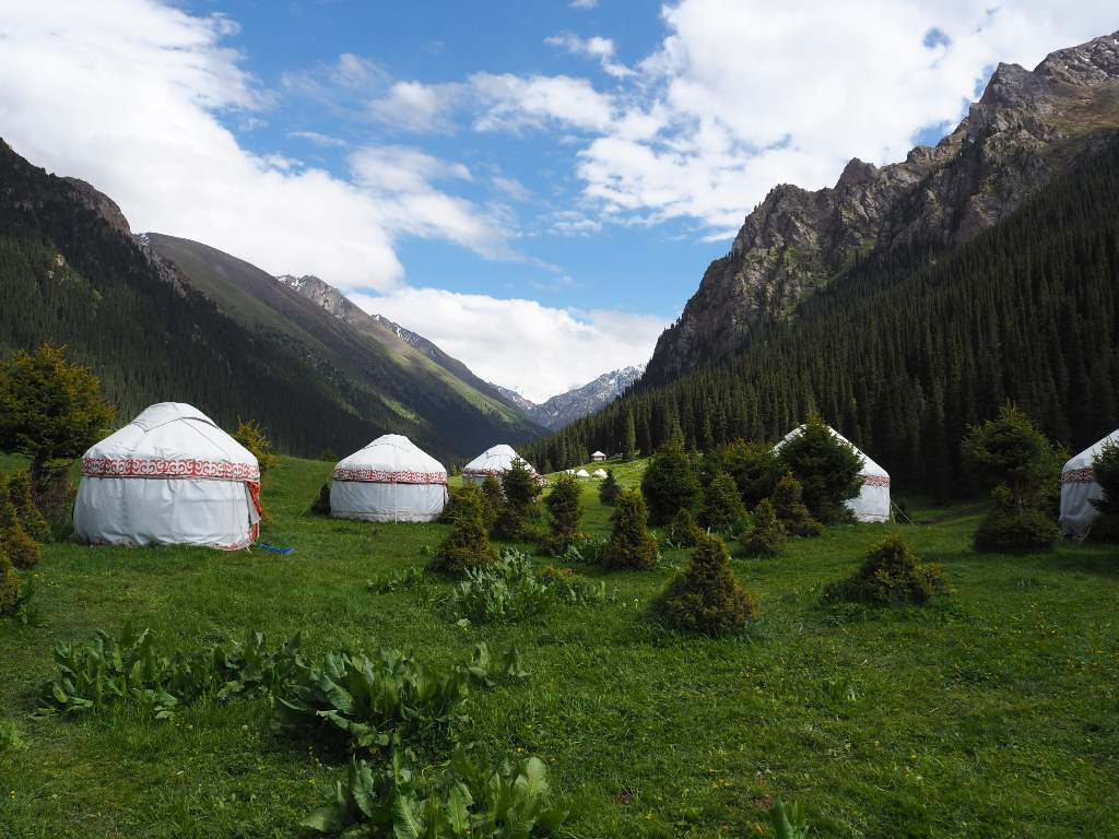 Altyn Arashan Yurt Camp