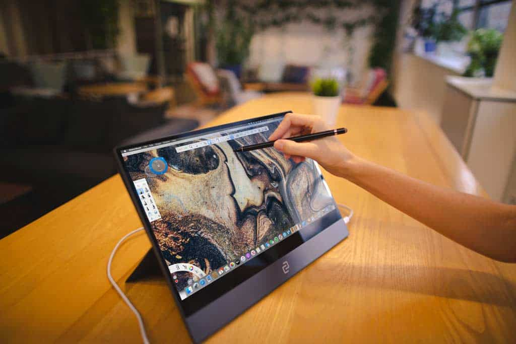 Touch Screen With Pen